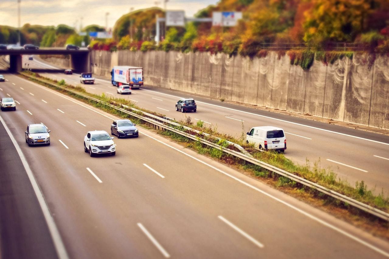 asphalt-auto-automobile-221284.jpg