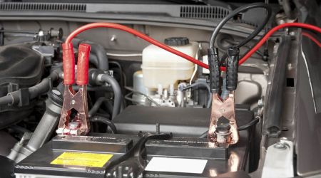 accensione-cavi-batteria-auto-1.jpg